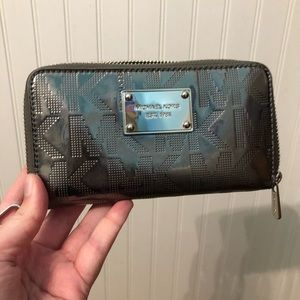 MK zipper wallet, hold phone!